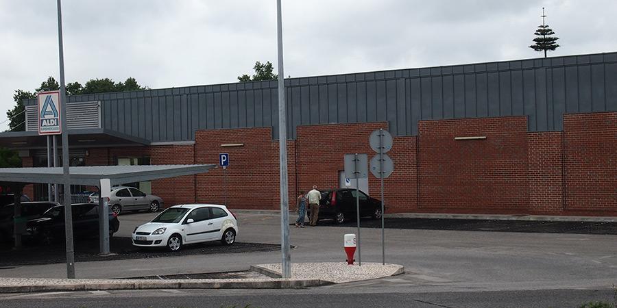 Tyska kedjan Aldi är en av flera livsmedelsbutiker i Caldas da Rainha.