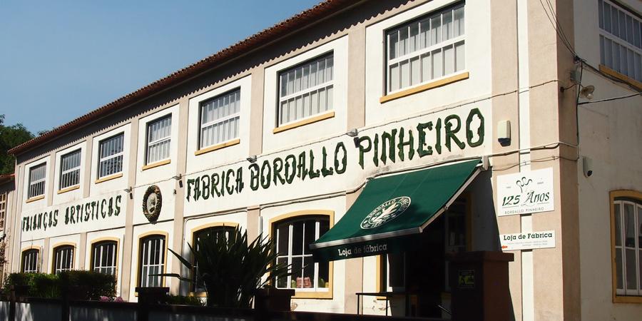 Keramik i Caldas da Rainha produceras till största del på Fabrica Bordallo Pinheiro