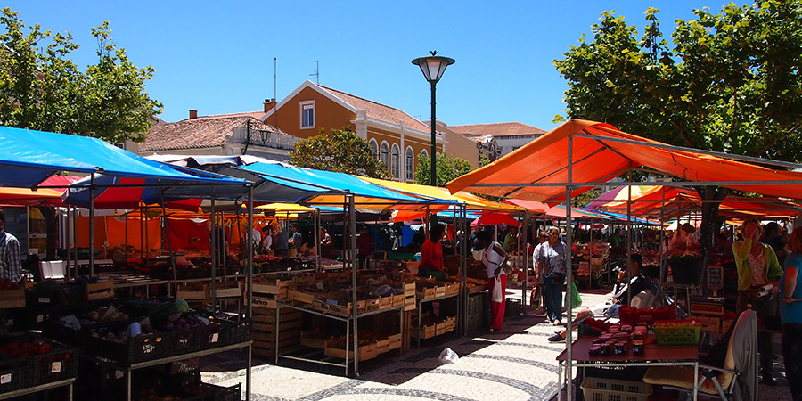 Praça da Fruta i Caldas da Rainha har den äldsta dagliga torgmarknaden i Portugal