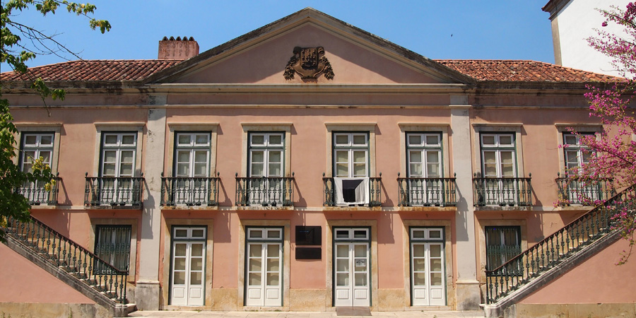 Museu do Hospital i Caldas da Rainha har utställningar som fokuserar på gamla sjukhusverksamheten i staden.